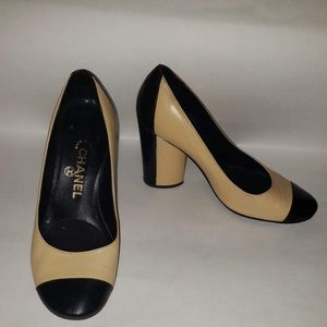 Chanel Two Tone Camel Cap toe Pump Shoes 36 (6)